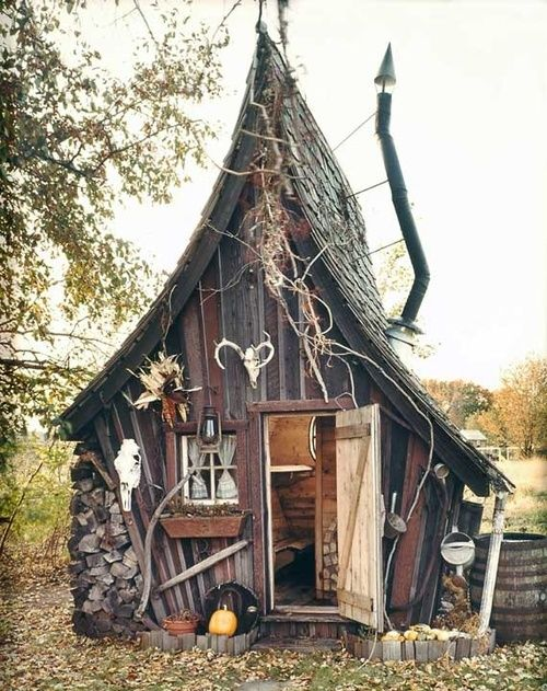 The Rustic Way. Casas de madera al estilo de Tim Burton.